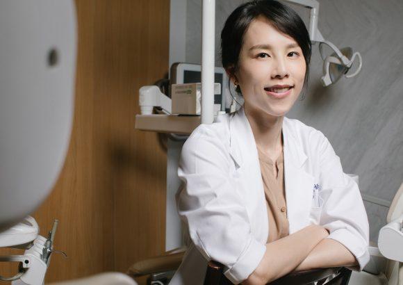 楊念珊醫師學經歷