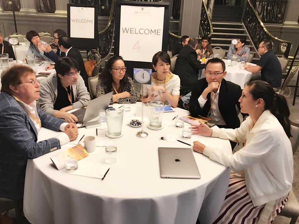 隱適美全球高峰會2019-台中牙齒矯正推薦-楊念珊醫師心得分享-與亞太區醫師們進行圓桌討論