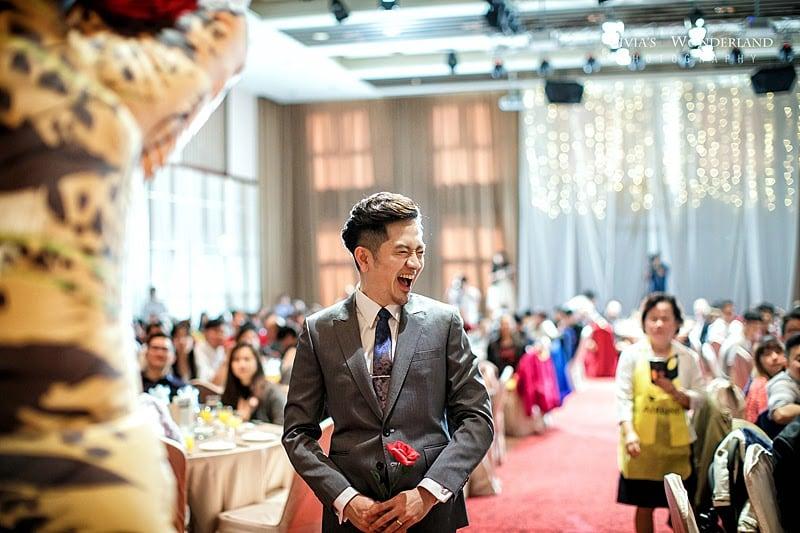 隱適美隱形牙套日記-invisalign-戴蒙矯正器-牙齒矯正心得比較-Angus婚禮時已可以大笑